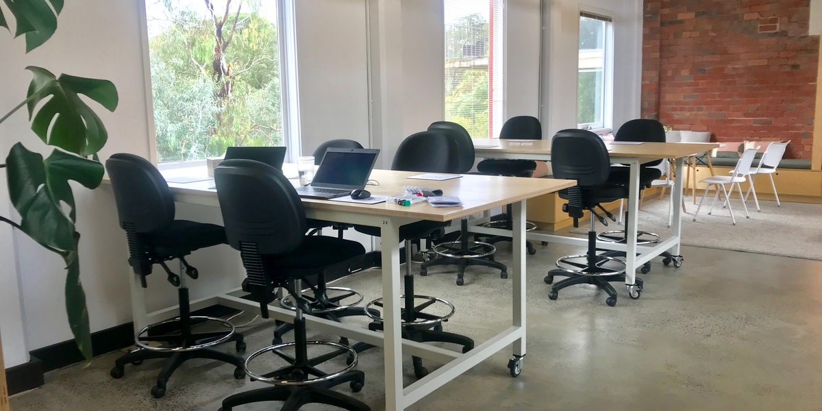 Photo of Desk 14.10