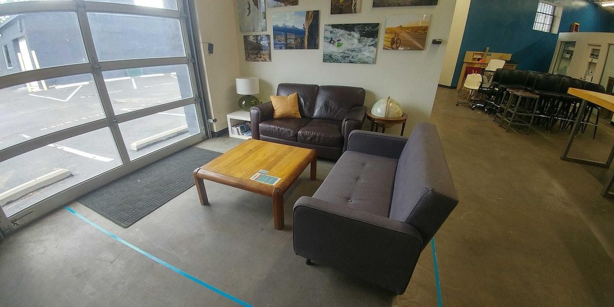 Photo of Lounge 3 - Back