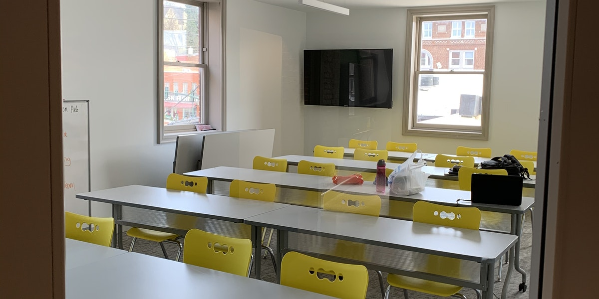 Photo of Classroom (25-30 person)