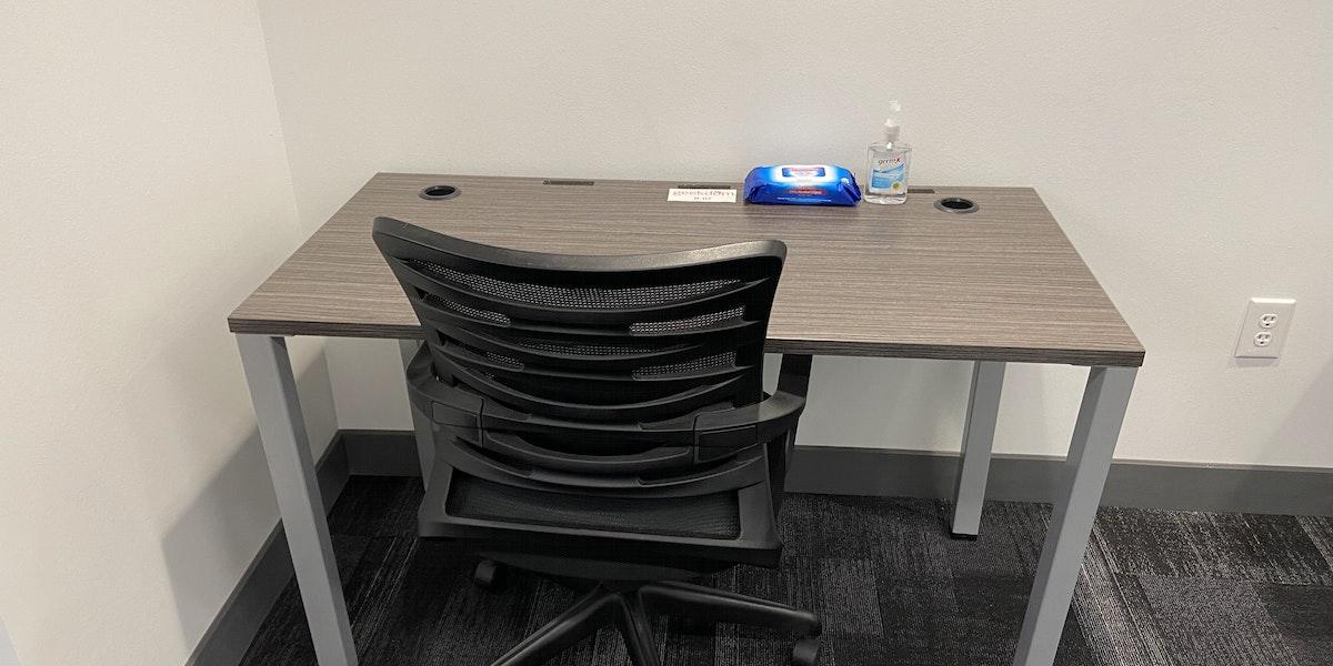 Photo of B-07 Workspace