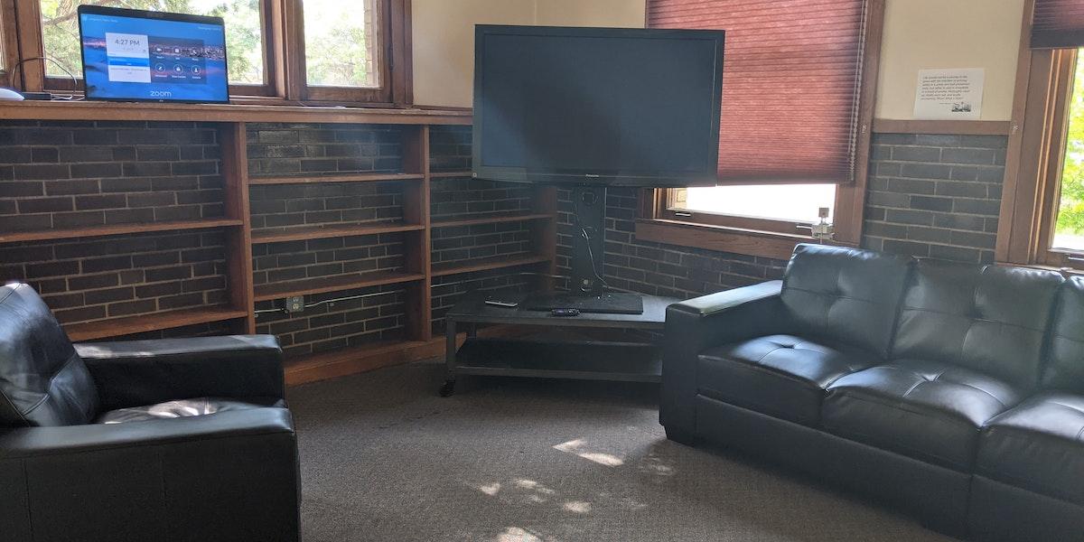 Photo of TV Studio #2 / Interview / Green Room