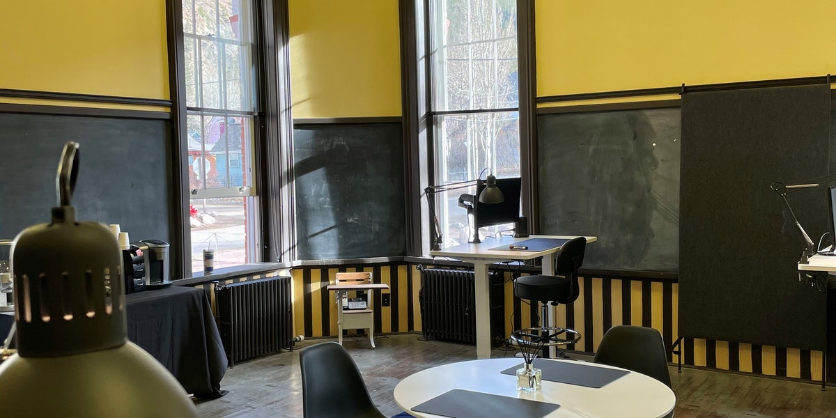 Photo of Desk 8